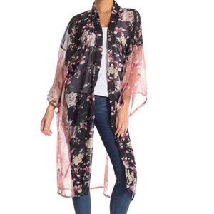 14th & Union Colorblock Floral Kimono